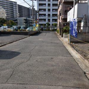 前面道路含む現地写真(外観)