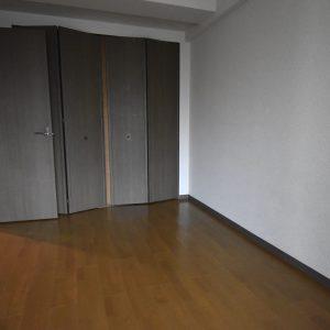 洋室6.4帖(寝室)