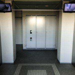 エレベーター(内装)