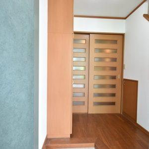 ゆとりの玄関ホール。収納付き